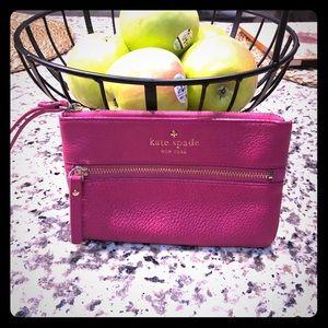 Kate Spade ♠️ wristlet hot pink!